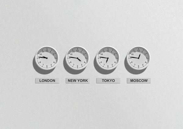 FXの取引できる時間は?取引できない時間帯・取引が活発な時間帯を紹介!のアイキャッチ画像